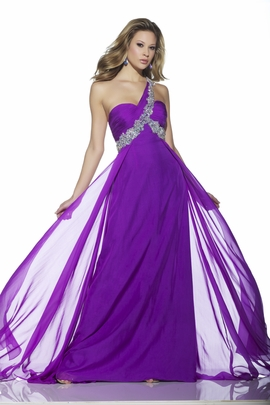 Bring Home the Crown with Our Beauty Pageant Dresses